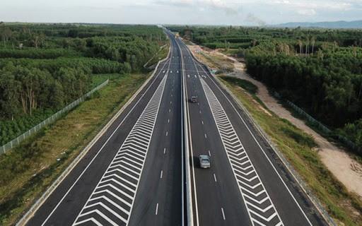 Đồng loạt khởi công ba đoạn dự án cao tốc Bắc- Nam bằng vốn ngân sách ảnh 1