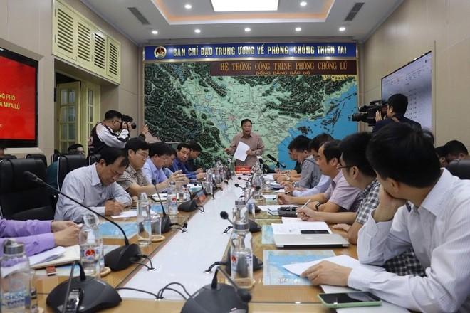 Bão số 6 đổ bộ Quảng Nam- Quảng Ngãi, 20 người chết và mất tích do mưa lũ ảnh 2