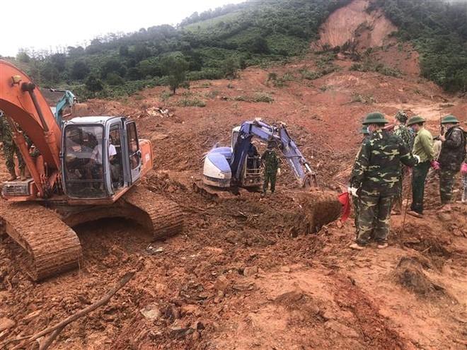 Hà Tĩnh sơ tán gần 50.000 người, Quảng Trị tìm thấy thêm hai thi thể cán bộ chiến sỹ Đoàn kinh tế 337 ảnh 1