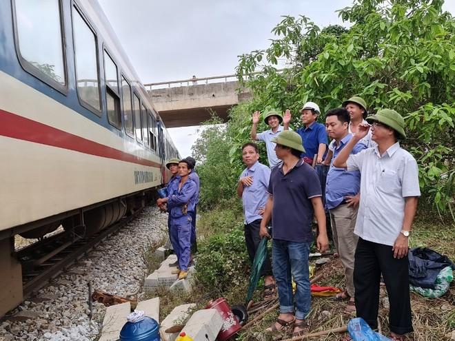 Đường sắt Bắc – Nam thông tuyến, sẵn sàng vận chuyển hàng cứu trợ miễn phí ảnh 3