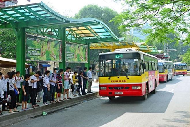 Buýt Hà Nội giảm một nửa lượng hành khách đi vé lượt ảnh 1