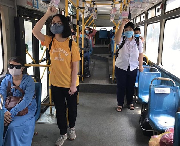 Xe buýt Hà Nội bỏ giãn cách hành khách từ ngày 8-3 ảnh 1