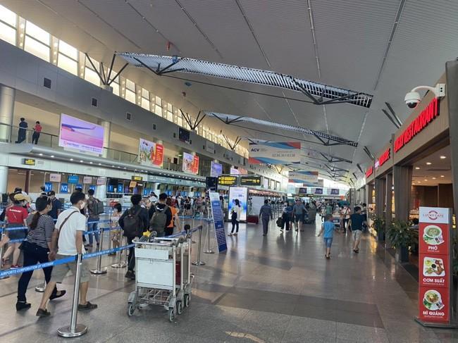 Nhiều sân bay tại miền Trung, Tây Nguyên phải đóng cửa do bão số 9 ảnh 1