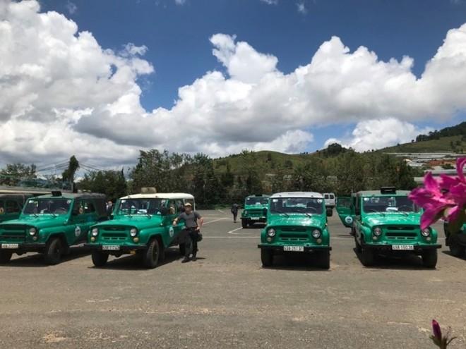 Xe U oát chở khách du lịch ở vùng cao, địa hình đồi núi có còn an toàn? ảnh 2