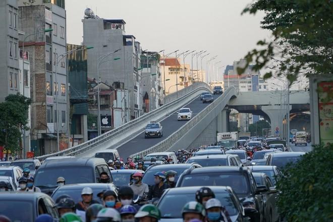 Hà Nội sẽ tiếp tục điều chỉnh giao thông tại nút giao Ngã Tư Sở để hạn chế ùn tắc ảnh 3