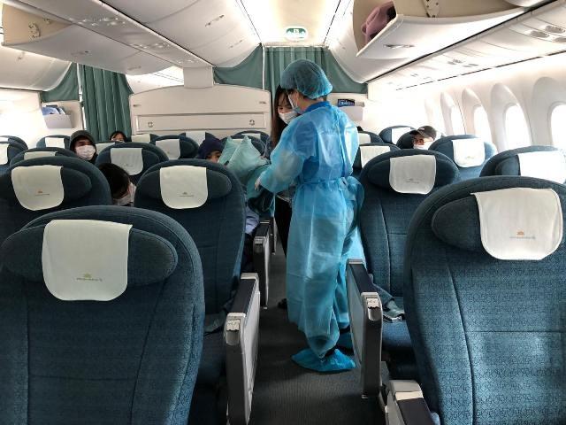 Chuẩn bị có 13 chuyến bay đưa công dân Việt Nam về nước ảnh 1