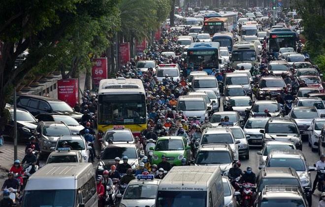 Chín nhóm giải pháp của Hà Nội để kéo giảm ùn tắc giao thông ảnh 1