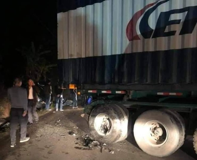 Hai người trên xe biển xanh trong vụ tai nạn với container trên QL18A đã tử vong ảnh 1