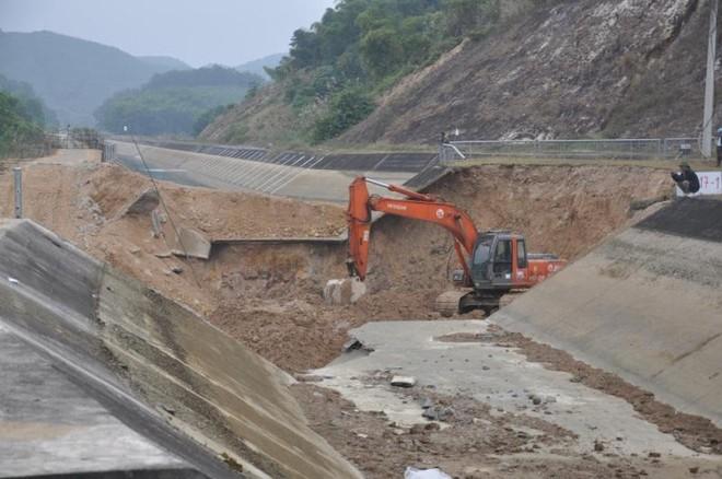 Bộ Nông nghiệp nói gì về sự cố vỡ kênh thủy lợi 4.300 tỉ đồng ở Thanh Hóa ảnh 1