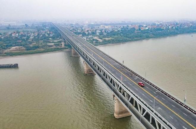 10 ngày, xử phạt 400 triệu đồng đối với xe quá tải qua cầu Thăng Long ảnh 1