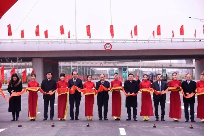 Khành thành nút giao đường vành đai 3 với cao tốc Hà Nội-Hải Phòng ảnh 2