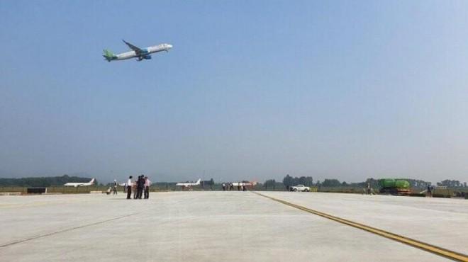 Hoàn thiện sửa chữa đường băng hai sân bay lớn nhất cả nước, phục vụ cao điểm Tết ảnh 1