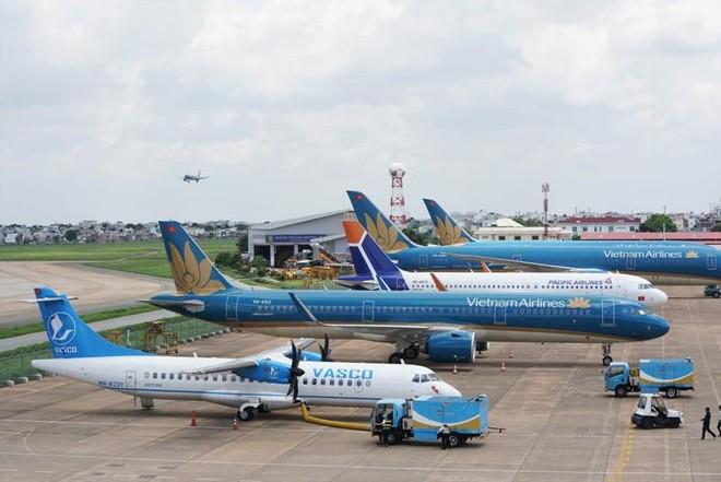 Nhiều chuyến bay đi Nội Bài phải chuyển hướng hạ cánh xuống Đà Nẵng và Cát Bi ảnh 1
