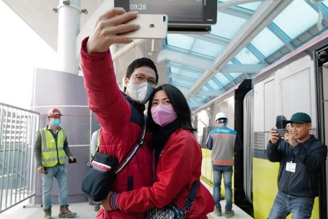 Người dân nói gì về đoàn tàu tuyến metro Nhổn-Ga Hà Nội? ảnh 5