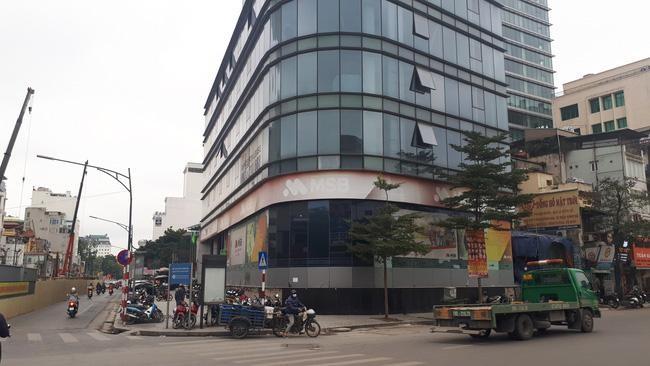Rào chắn đường Trần Hưng Đạo, đoạn từ Quán Sứ đến Trần Bình Trọng để thi công ga ngầm metro ảnh 1