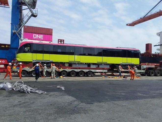 Đoàn tàu thứ hai tuyến metro Nhổn- Ga Hà Nội cập cảng Hải Phòng ảnh 1