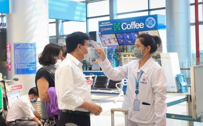 Toàn bộ nhân viên 5 sân bay lớn đều âm tính với SARS-CoV-2 ảnh 1