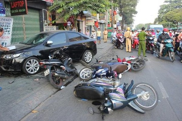 15 người thiệt mạng vì tai nạn trong ngày đầu năm Tân Sửu 2021 ảnh 1