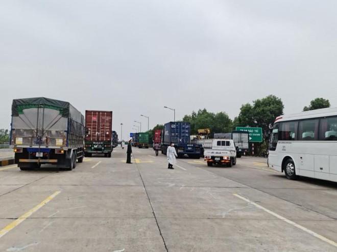 Bộ Giao thông gỡ rối cho xe chở nông sản Hải Dương đi Hải Phòng ảnh 1