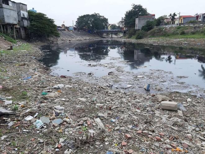 Sông Cầu ô nhiễm nặng nề, Bộ Nông nghiệp yêu cầu buộc dừng xả thải ảnh 1