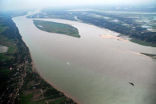 Mực nước sông Mê Kông xuống thấp, cảnh báo hạn mặn khốc liệt ở Nam bộ ảnh 1
