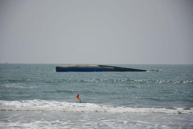 Tàu Bạch Đằng chở 1.500 tấn tro bay nhiệt điện Vĩnh Tân chìm trên biển Mũi Né có gây ô nhiễm? ảnh 1