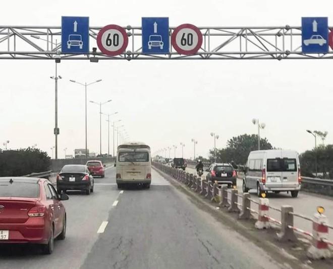 Hà Nội: Giảm tốc độ lưu thông của ô tô, cầu Thanh Trì có hết ùn tắc? ảnh 1