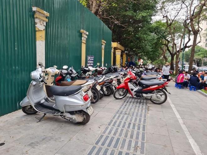 Bác đề xuất sử dụng vỉa hè để kinh doanh xuyên đêm của quận Hoàn Kiếm ảnh 1