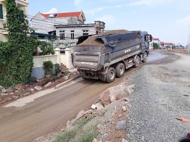 Điểm mặt một loạt tuyến đường có xe quá tải hoạt động rầm rộ, công khai ảnh 1
