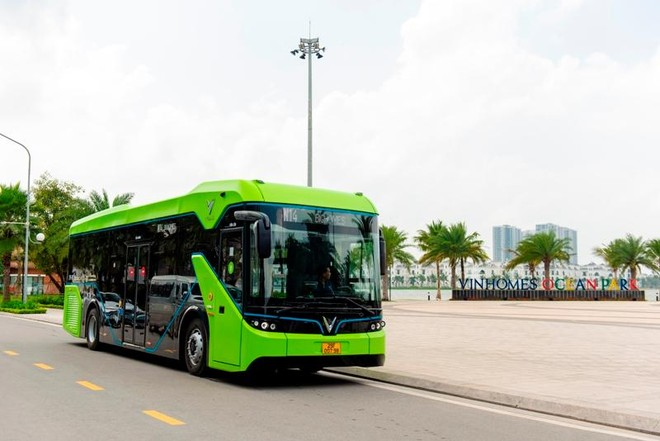 Buýt điện VinBus chính thức lăn bánh chở khách trong khu đô thị Vinhomes Ocean Park ảnh 4
