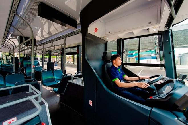 Buýt điện VinBus chính thức lăn bánh chở khách trong khu đô thị Vinhomes Ocean Park ảnh 2