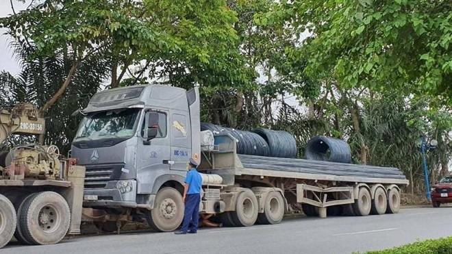 Xe tải gắn biển số giả khi qua trạm cân để né phạt quá tải ảnh 1