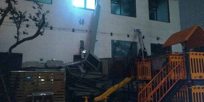 Giàn nóng điều hòa chung cư 97 An Bình Plaza đổ sập tan tành trong đêm ảnh 1
