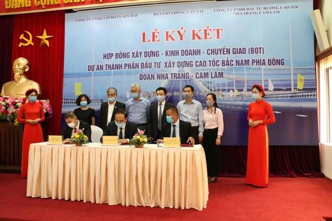 Ký kết hợp đồng dự án PPP đầu tiên hơn 5.500 tỷ đồng trên cao tốc Bắc- Nam ảnh 1