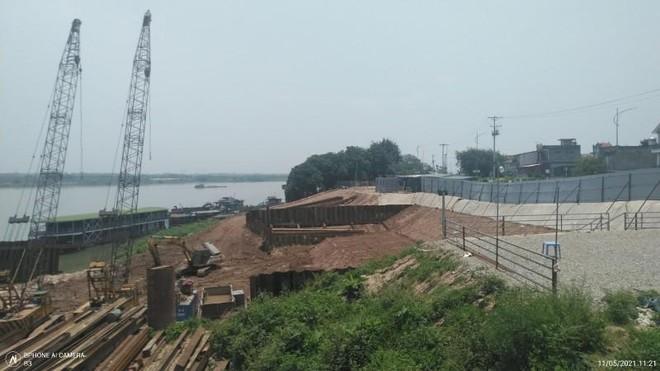 Người dân bất an vì đê sông Hồng lún, nứt do thi công dự án nhà máy nước mặt sông Hồng ảnh 1