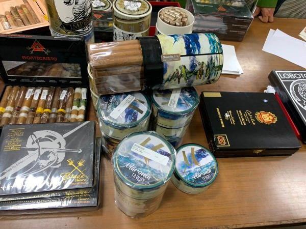 Bộ Giao thông yêu cầu ngăn chặn buôn lậu xì gà tại đầu mối giao thông biên giới, cảng biển ảnh 1