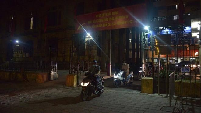 Nhân viên âm tính với SARS-CoV-2, dỡ phong tỏa trụ sở Bộ Giao thông ảnh 1
