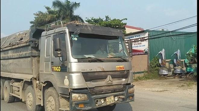 Xe quá tải tái xuất, hoành hành trên nhiều tuyến đường Hà Nội ảnh 2