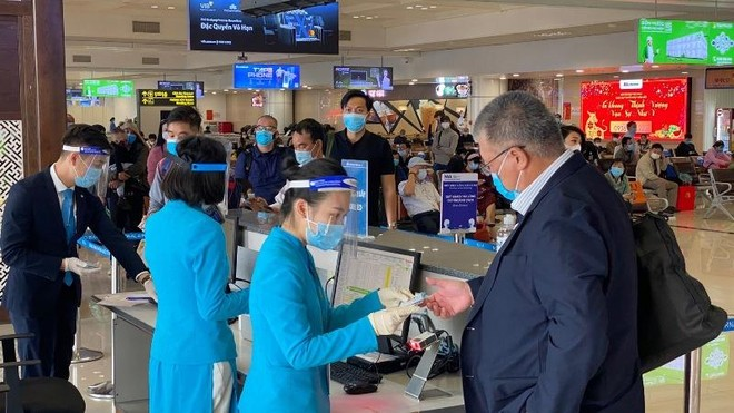 Sân bay Nội Bài và Tân Sơn Nhất lại được đón các chuyến bay quốc tế nhập cảnh ảnh 1