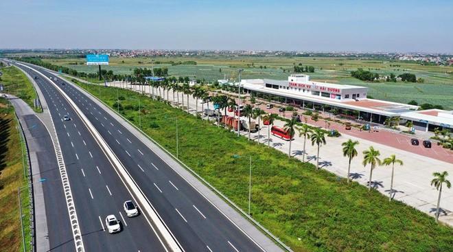 Xe quá tải tràn vào cao tốc Hà Nội- Hải Phòng, Tổng cục Đường bộ yêu cầu xử lý nếu có tiêu cực ảnh 1