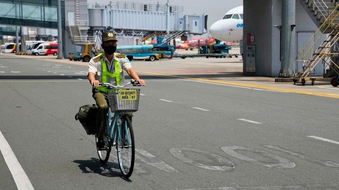 Bộ Giao thông đề nghị Hà Nội cho nhân viên hàng không được dùng mẫu giấy đi đường cũ ảnh 1
