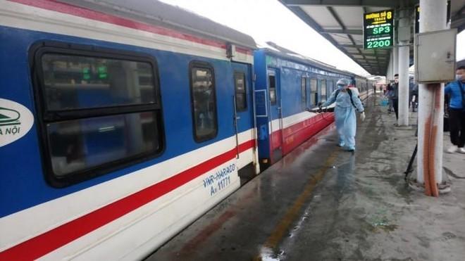 Hàng loạt địa phương xin lập chuyến tàu chuyên biệt chở công dân rời TP.HCM về quê ảnh 1