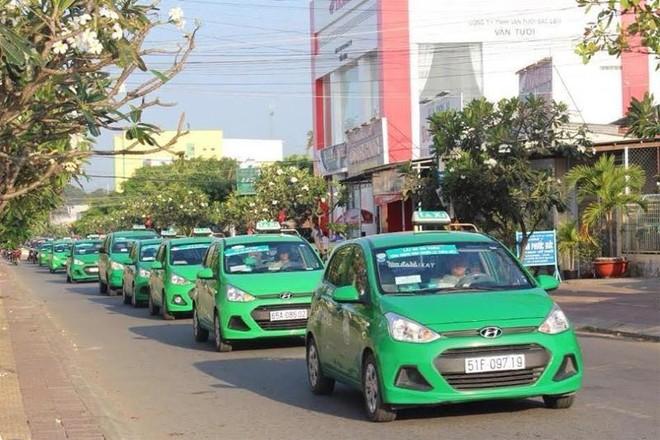 Hà Nội cho phép 200 xe taxi Mai Linh hoạt động trong thời gian giãn cách ảnh 1