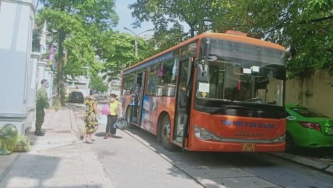 Hơn 200 F1 hoàn thành cách ly tập trung được xe buýt đón về địa phương ảnh 2