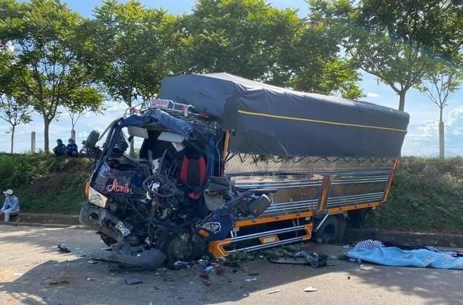 Xe tải và xe đầu kéo đâm nhau làm 1 người chết ở Nghệ An có còn hạn đăng kiểm? ảnh 1