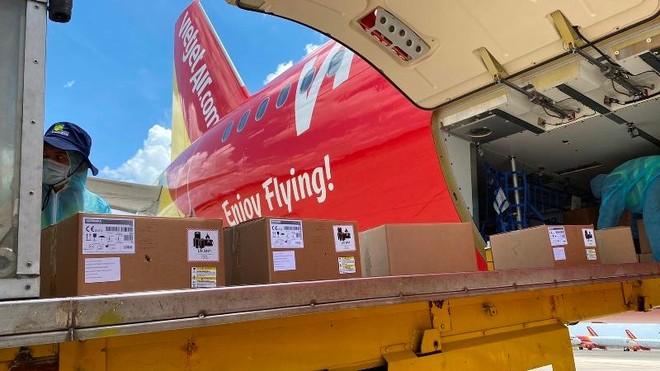 Chuyến bay Vietjet chở 200 máy thở cao cấp từ Đức đã hạ cánh tại Tân Sơn Nhất ảnh 2