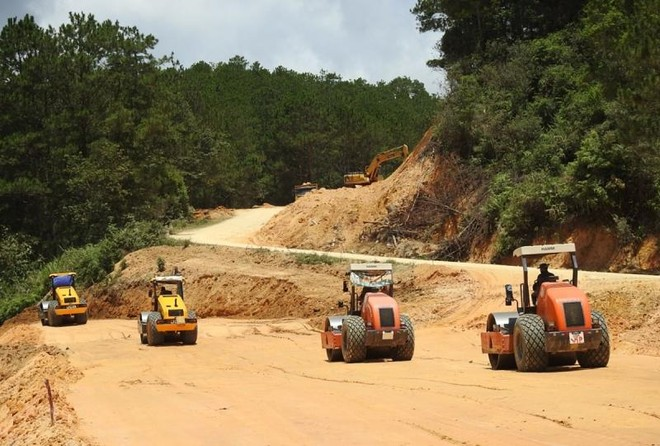 Dự án cải tạo quốc lộ 24 vốn nghìn tỷ chậm trễ, Bộ Giao thông lên tiếng thúc giục ảnh 1