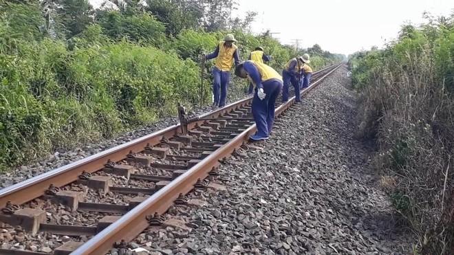 Đường sắt đóng băng, hàng nghìn lao động thất nghiệp, bỏ việc ảnh 1