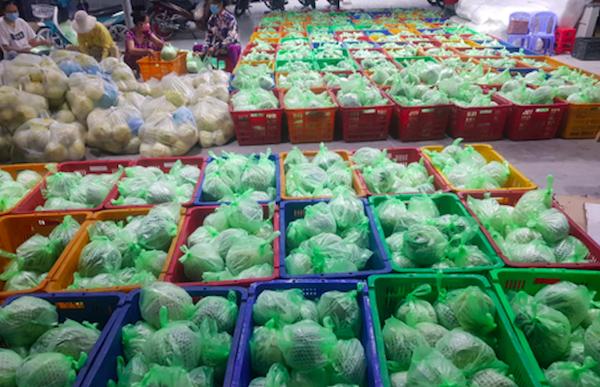 Nhu cầu mua combo nông sản ở TP.HCM lên đến 150.000 combo/ngày ảnh 1