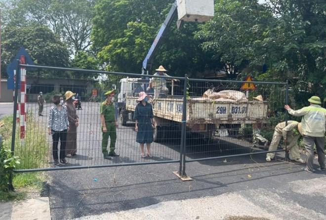 Hà Nội: Rào chắn cứng tại 30 cầu, đường dẫn vào vùng 1 để phòng chống Covid-19 ảnh 2